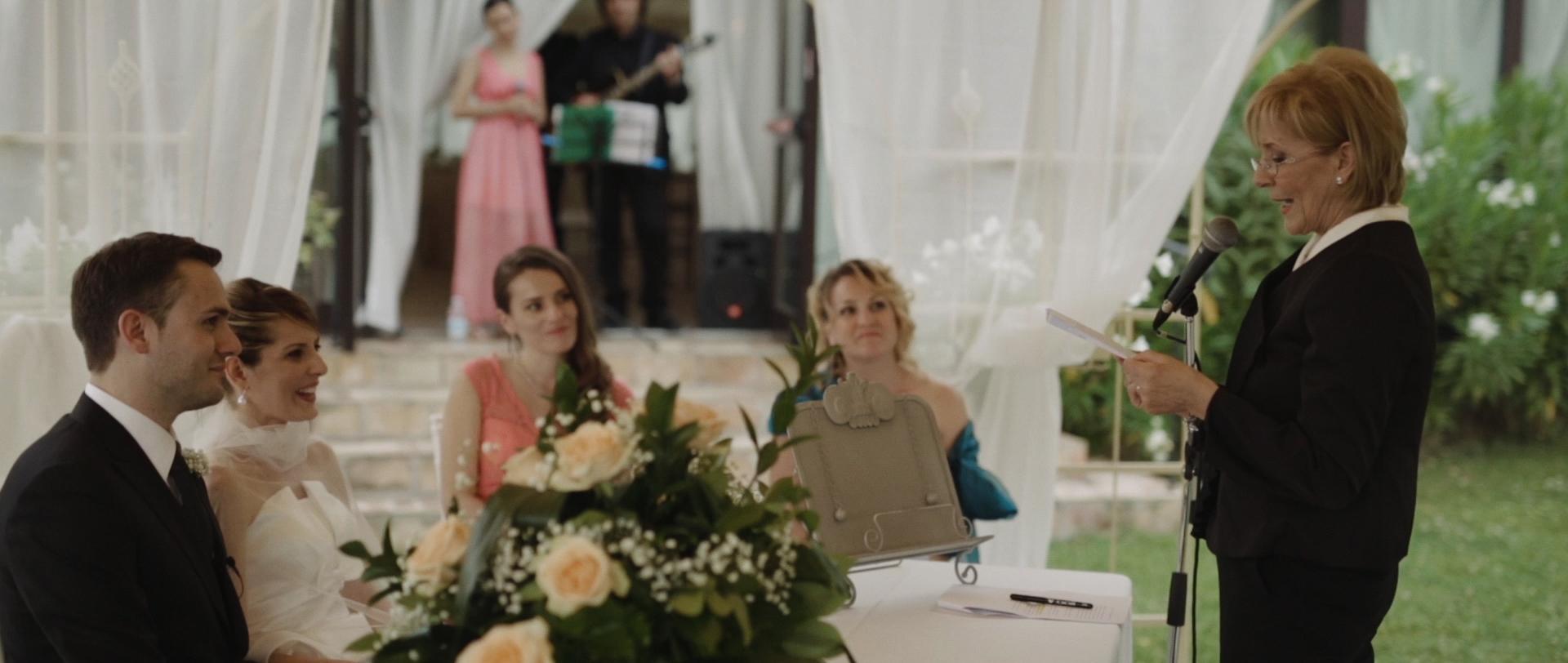 Frederic & Valentina | Trailer (Eng) 16