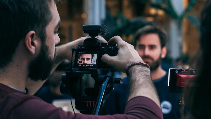 posizionare-la-camera-1 Come fare delle riprese perfette: 5 consigli pratici!